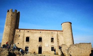 Chateau Essalois en haut de St Just. St Rambert